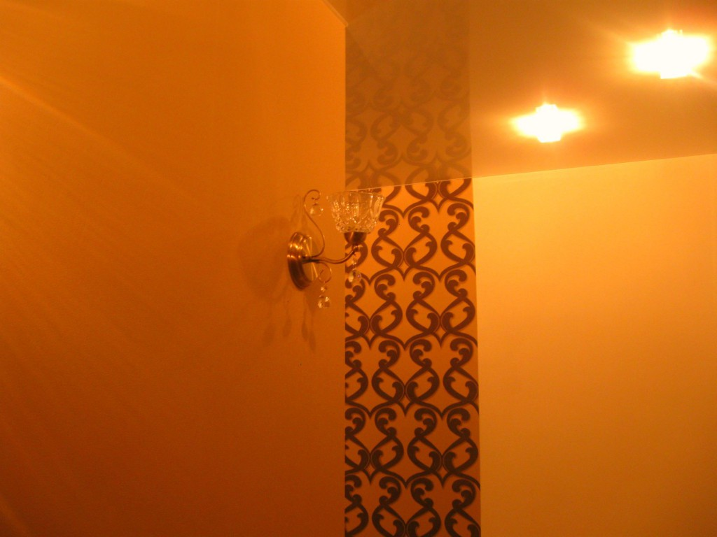 Светильник в коридоре