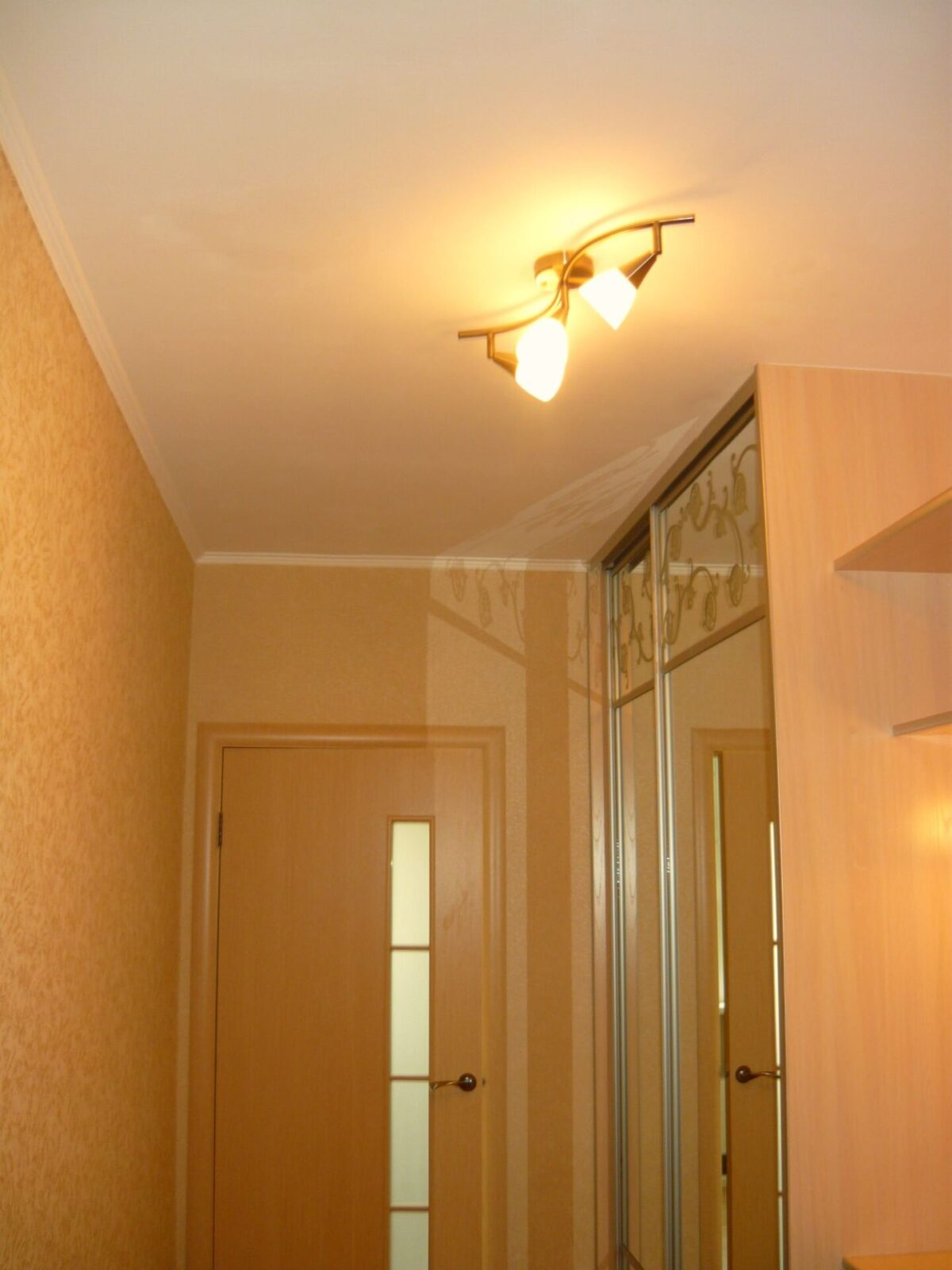 Потолки в коридоре