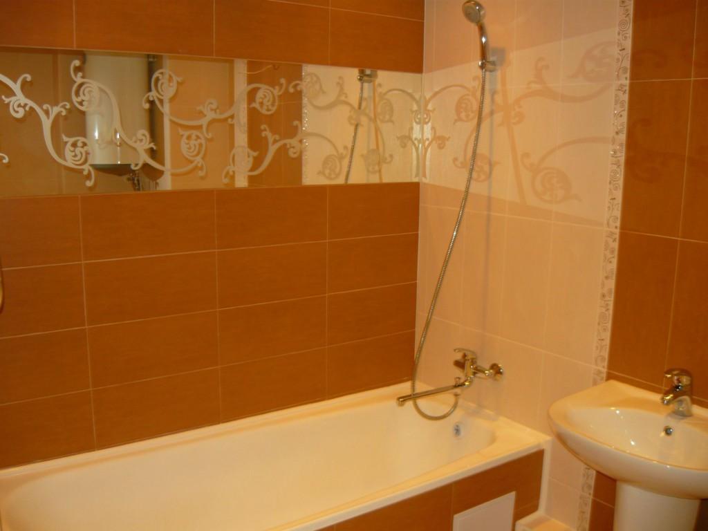 Зеркало в ванной под кафель