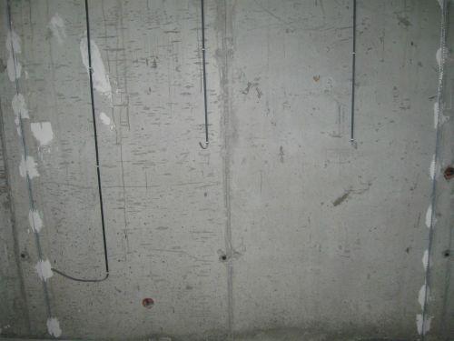 Прокладываем провода перед штукатуркой стен