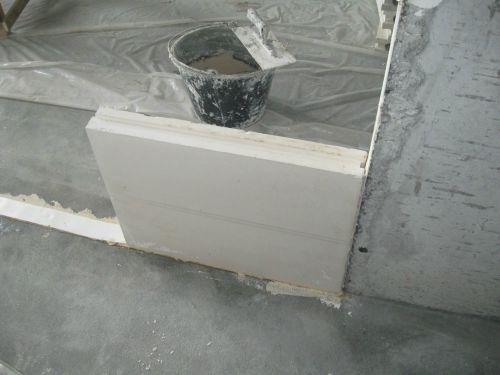 Первый блок пазогребневой плиты