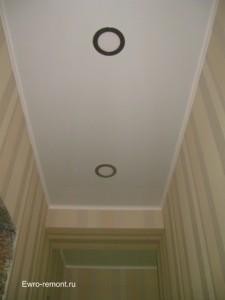 Коридор и натяжной потолок