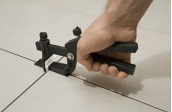 Применение зажима позволяет уменьшить усталость рук