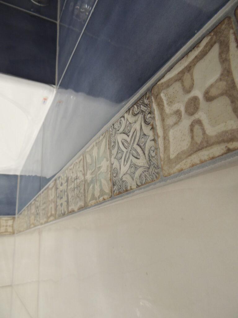 Декоративный элемент в плитке