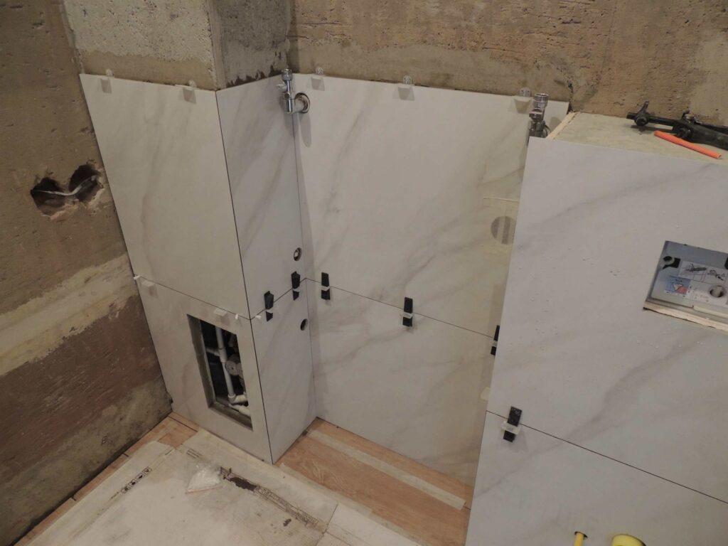 Укладка крупноформатной плитки в ванной