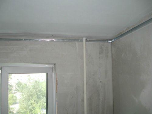 Потолок из гипсокартона-установка