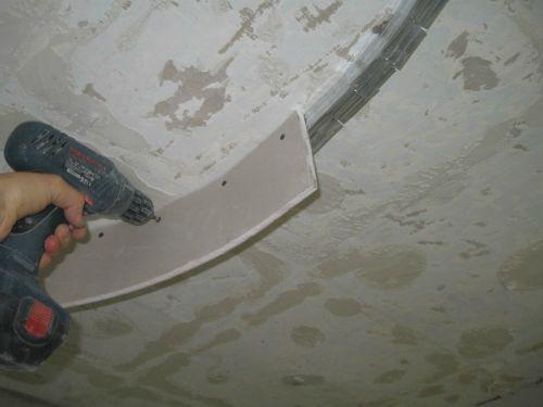 Фотографии установки и монтажа потолков из гипсокартона
