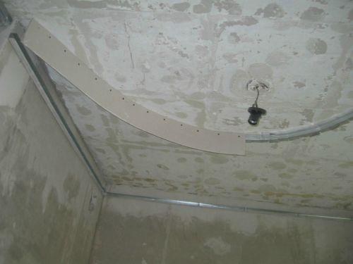 Криволинейный потолок своими руками