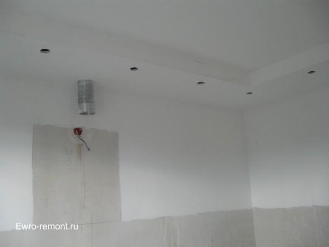 вентиляция спрятана на потолке в конструкции из гипсокартона