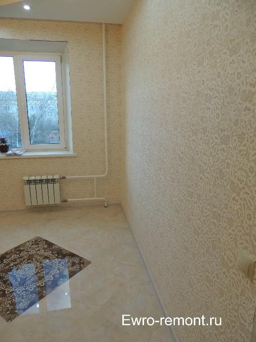 В кухне потолки под покраску с криволинейной конструкцией из гипсокартона