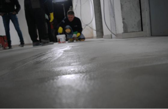 Качество работы плиточника определяется ровностью получившейся в итоге поверхности