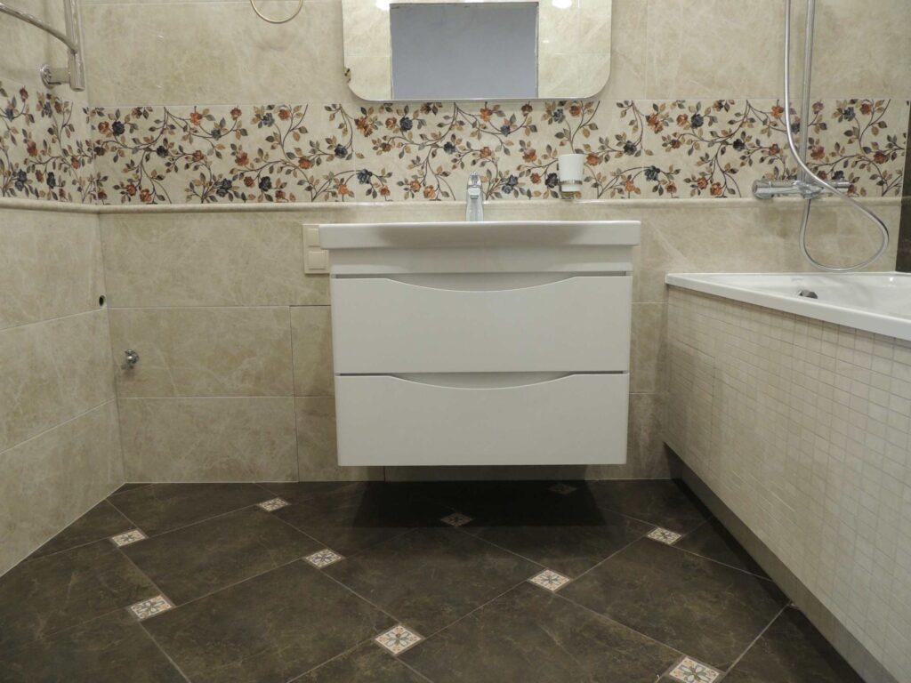 подвесная тумба в ванной комнате.jpg