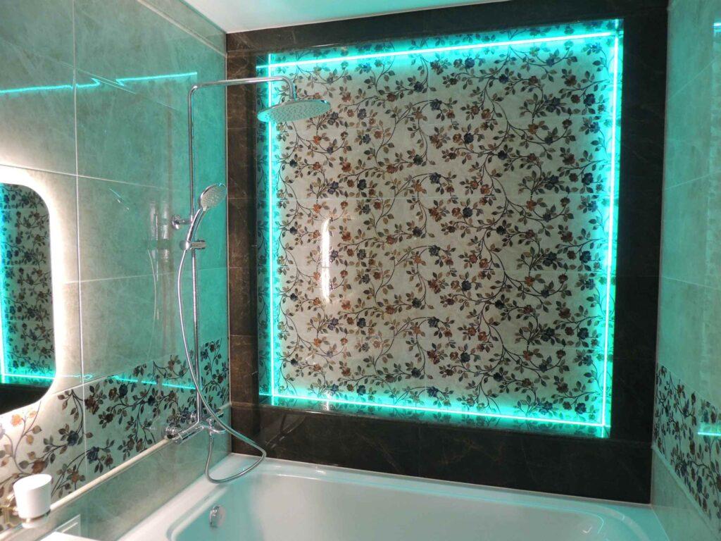 светодиодная лента RGB в ванной.jpg