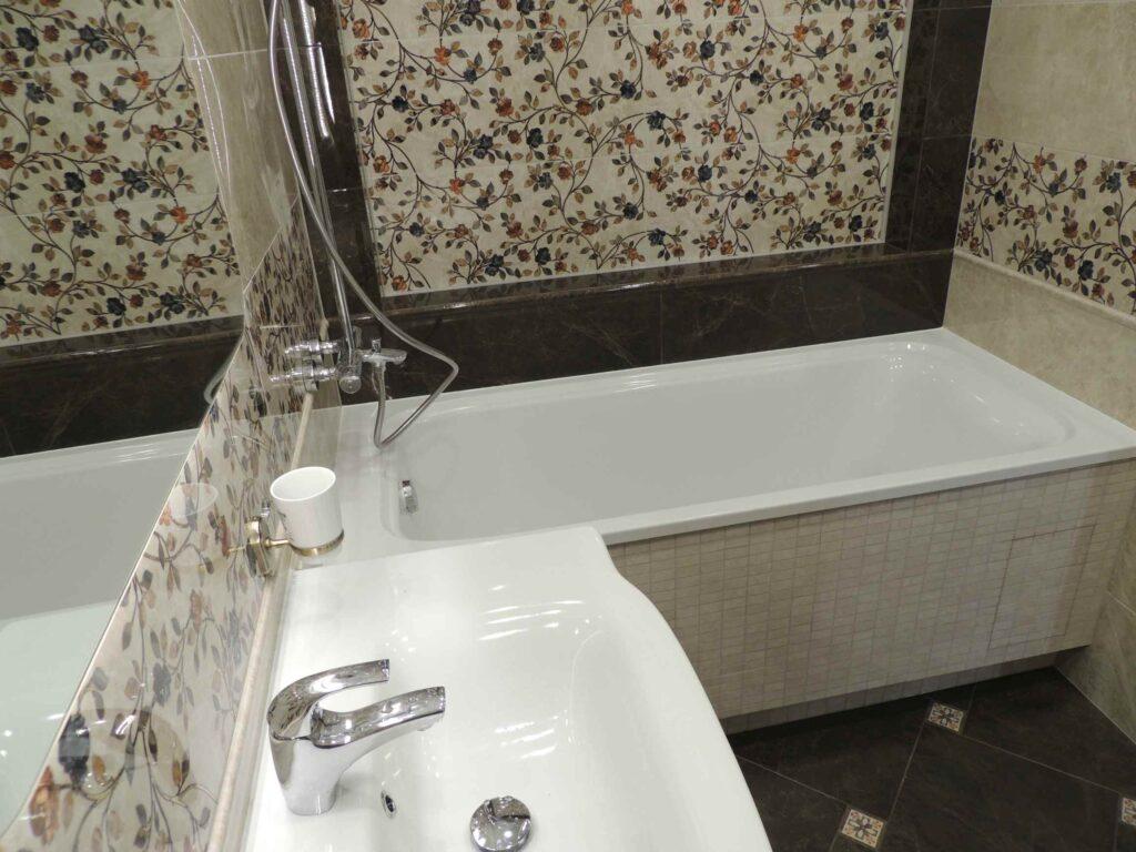 Красивая плитка и мозаика в ванной.jpg
