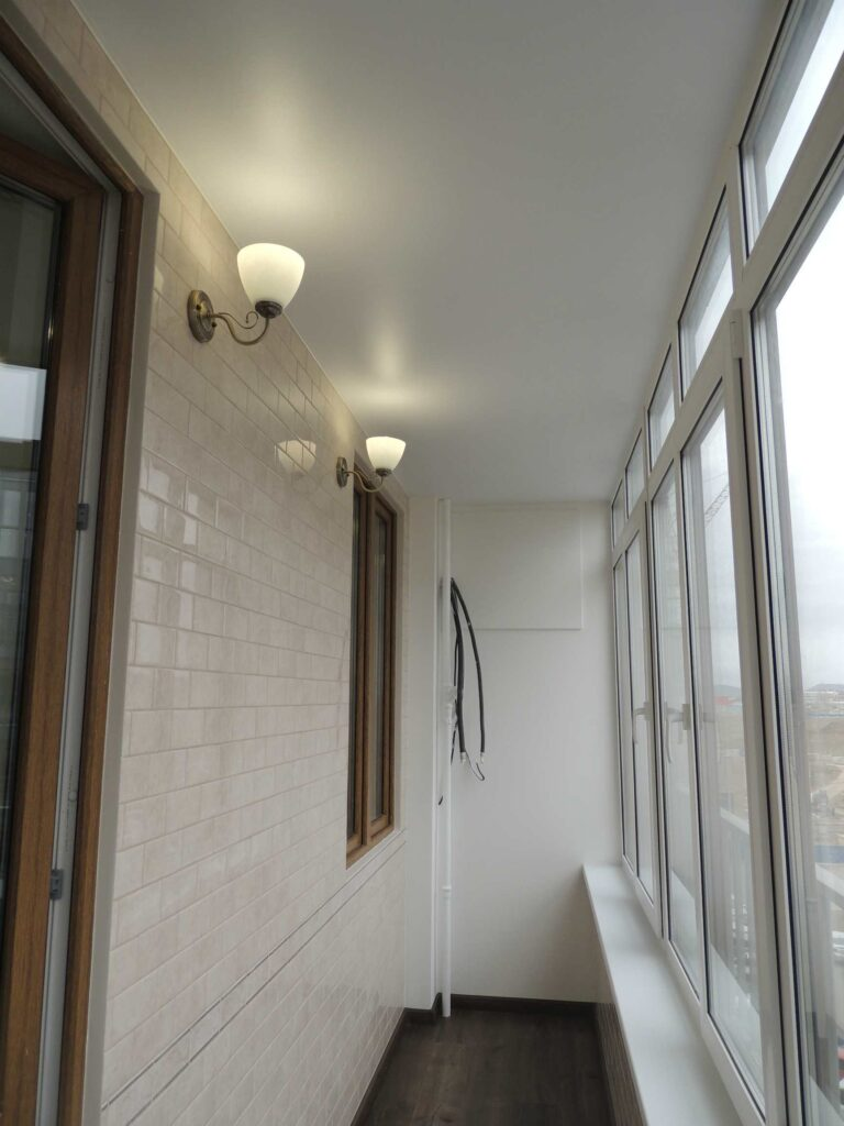 Красивый ремонт на балконе в Красноярске.jpg